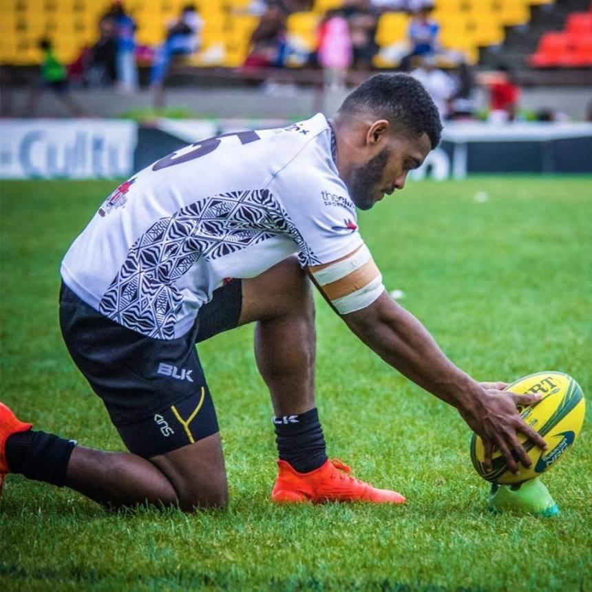 Paula Balekana_Fiji_goalkick_2014